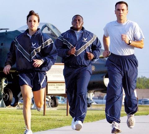 男性用スポーツウェア